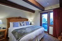 Mountain Chalet Aspen Apartment Bed